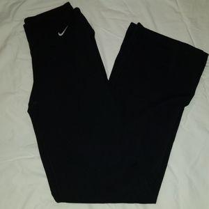 black nike yoga pants